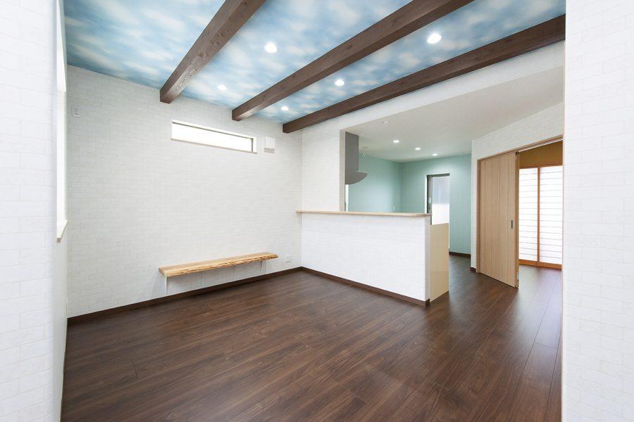 和室へ斜め移動 京都・滋賀の注文住宅 天然木の家