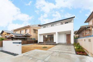 白い外壁の家|京都・滋賀の注文住宅 天然木の家