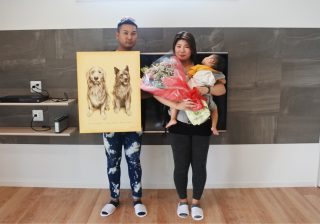 サプライズプレゼントと記念写真|京都・滋賀の注文住宅 天然木の家