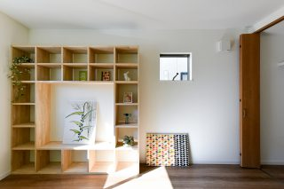 造作の棚をおしゃれに|京都・滋賀の注文住宅 天然木の家