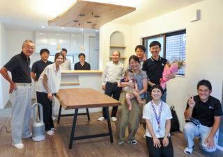 京都市内の土地20坪に建つ3階建住宅のセレモニーの様子|京都・滋賀の注文住宅 天然木の家